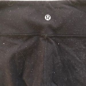 lululemon athletica Pants - Lululemon black wunder under low rise leggings